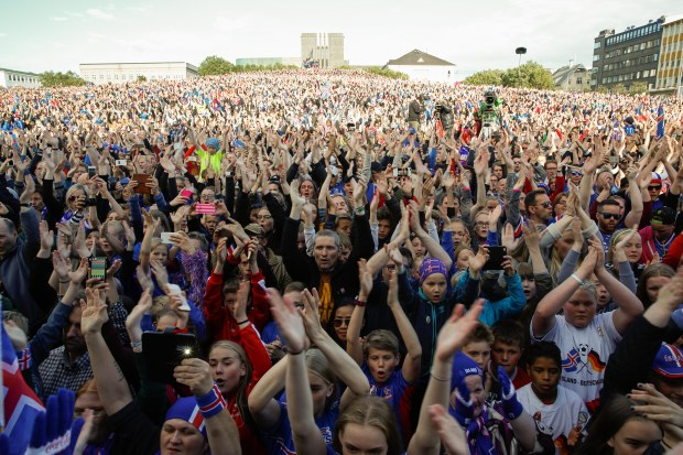 Soccer Euro 2016 Iceland natinal team comes home.